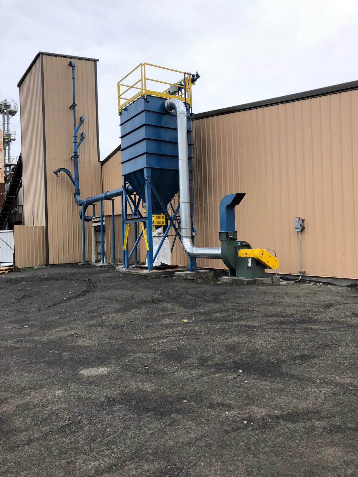 La Cygne's updated bagging operations' new dust collection system